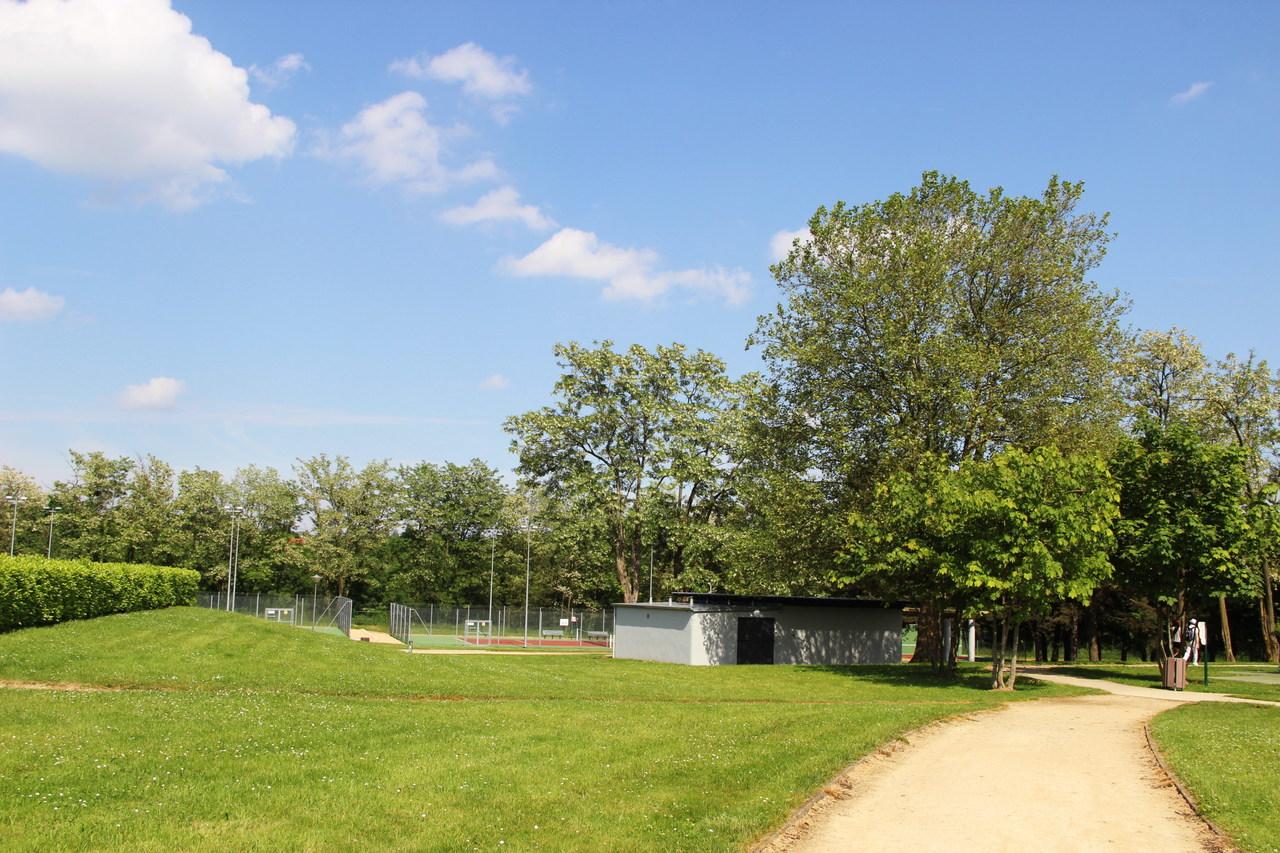 Parc de l 39 hippodrome lyon france for Jardin couvert lyon