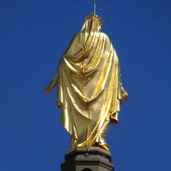 Statue de la Vierge dorée de la Basilique de Fourvière
