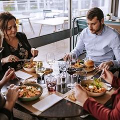 Déjeuner entre collègues