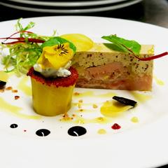 Pressé de pied de cochon et foie gras, douillon de pommes de terre des Canuts