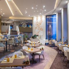 Radisson Blu Hotel - Celest Bar & Restaurant