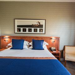 Chambre supérieure grand lit