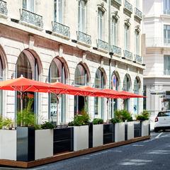 Carrousel Bar