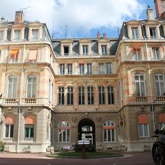 hôtel militaire