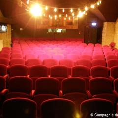 Guignol Lyon salle theatre.jpg