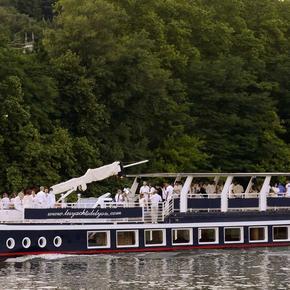 Copyright Les Yachts de Lyon