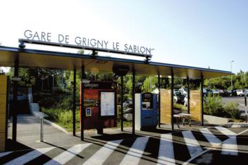 Gare de Grigny Le Sablon