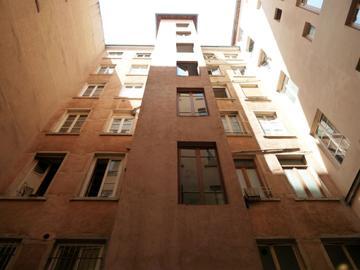 Traboule 3-5 rue Capucins - 6 rue René Leynaud