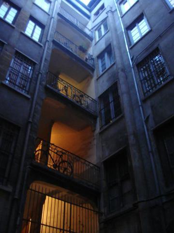 Traboule 5 rue Coustou - 22 rue des Capucins
