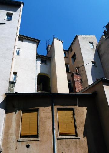 Traboule 22 rue Bouteille - 15 rue Sergent Blandan