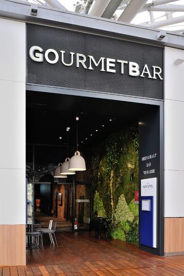 Entrée du Gourmet Bar
