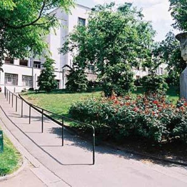 Jardin des plantes lyon france - Table jardin oogarden lyon ...